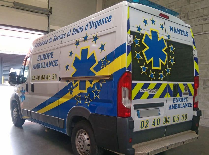 Habillage personnalisé pour une ambulance